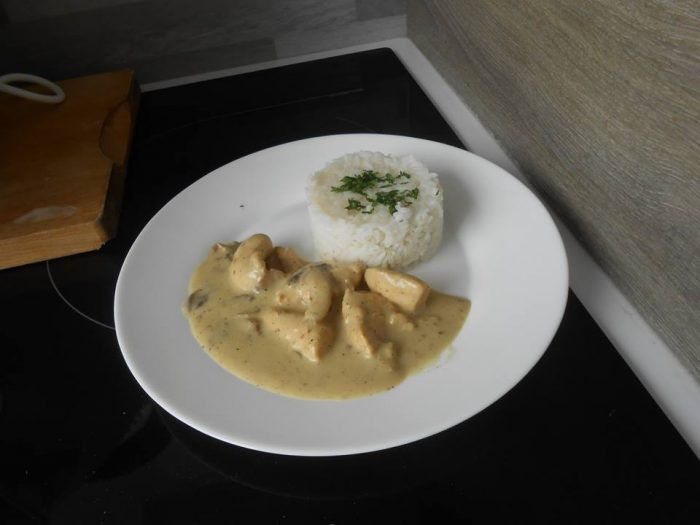Chicken tenderloin with curry and coconut milk