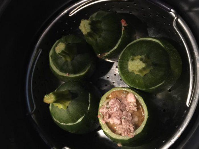 Stuff round zucchinis