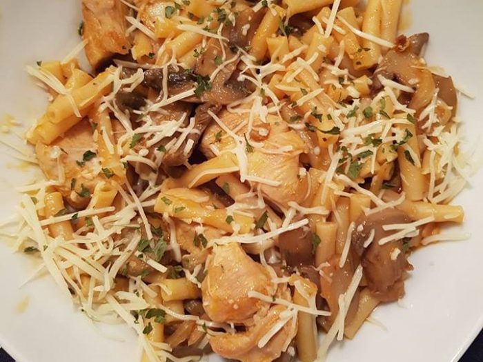 One pot pasta with turkey and mushrooms