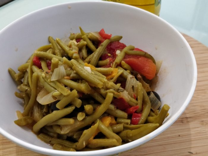 Green bean in a Provençal style