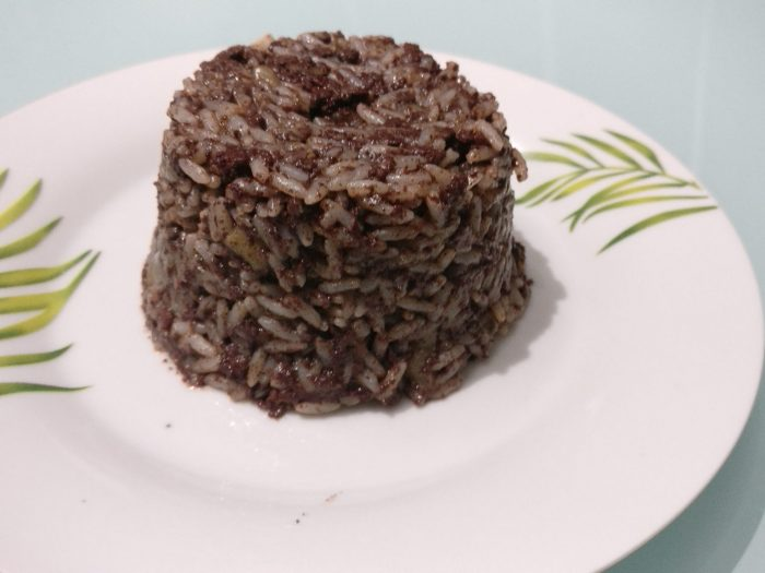 Risotto with black sausages and apple