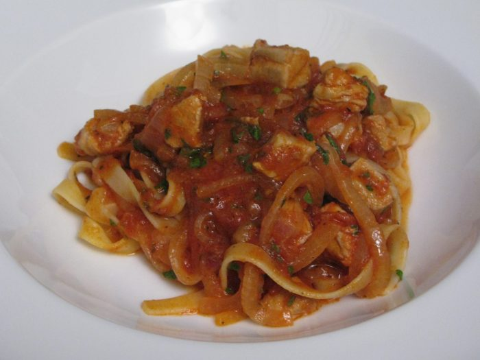 Sauce Bolognese with tuna